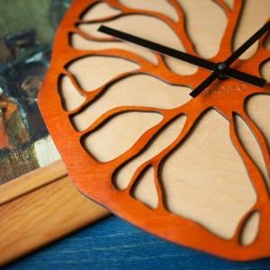 BAOBAB: настенные часы из дерева Orange