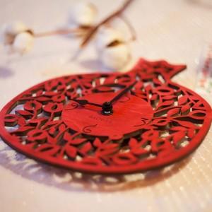 BAOBAB: настенные часы из дерева Гранат