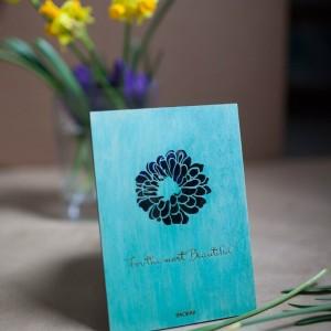 BAOBAB: авторская открытка из дерева цветок