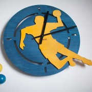 BAOBAB: wall clock made of wood Handball