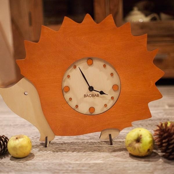 BAOBAB: настольные часы из дерева Ежик