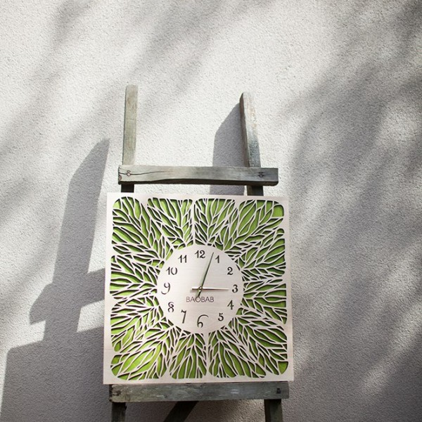 BAOBAB: wall clock made of wood Veins