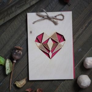 BAOBAB: авторская открытка из дерева сердце