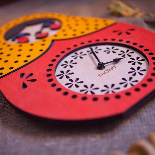 BAOBAB: wall clock made of wood Matryoshka
