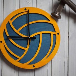 BAOBAB: настенные часы из дерева Волейбол