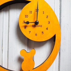 BAOBAB: wall clock made of wood mouse