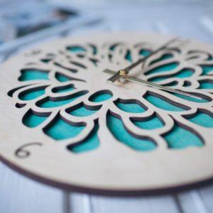 BAOBAB: настенные часы из дерева цветок