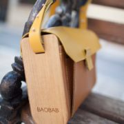 BAOBAB: female bag from a tree Oasis