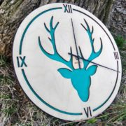 BAOBAB: wall clock made of wood Deer