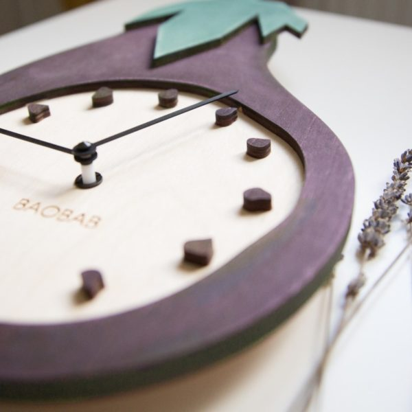 BAOBAB: wall clock made of wood Eggplant