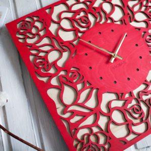 BAOBAB: wall clock made of wood Deer