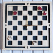 BAOBAB: wall clock made of wood chess