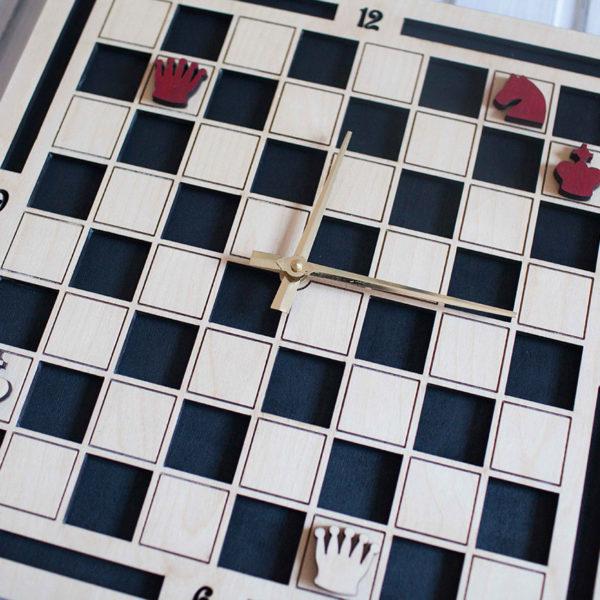 BAOBAB: настенные часы из дерева шахматы